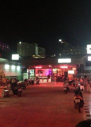 Среднестатистическая блядь из Таиланда - фото 12
