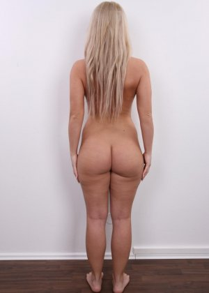 Девушка показывает свое тело - фото 12- фото 12- фото 12