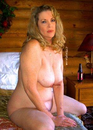 Зрелая мадам показала свои старые рыхлые сиськи всем желающим - фото 19- фото 19- фото 19