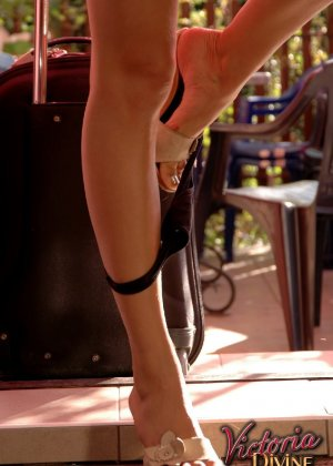 Голая худая девушка Виктория - фото 7
