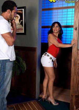 Валери Лопез – опытная шлюшка, которая знает, как удовлетворить мужчину и поразить его своим темпераментом - фото 2