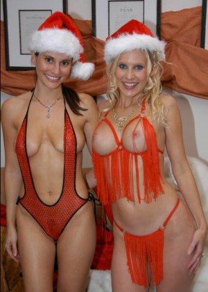 Девушки возбудились от примерки сексуальных нарядов и начали мастурбировать и лизать друг другу пезды - фото 5