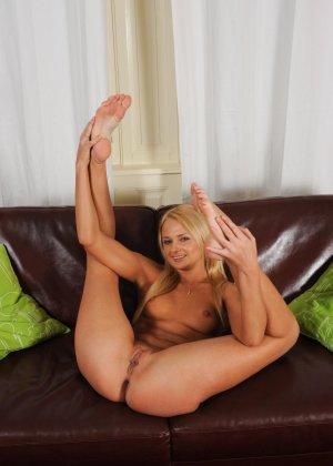 Ивана – сексуальная блондинка, которая очень любит удовлетворять себя с помощью вибратора - фото 5