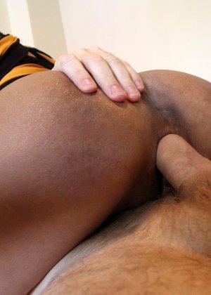 За большие деньги азиатская девушка согласилась на горячий анальный секс - фото 6