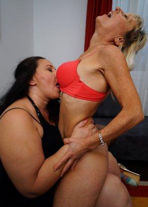 Три дамочки решают развлечься в обществе друг друга, позволяя себе воплощать все фантазии - фото 13