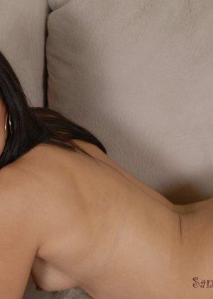 Смелая латинская девушка без проблем раздевается и показывает себя со всех сторон - фото 12- фото 12- фото 12