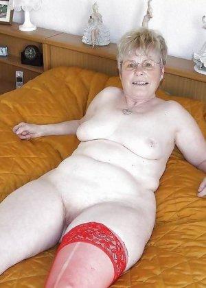 Подборка фото зрелых дам с висящими сиськами и не бритыми пездами - фото 8