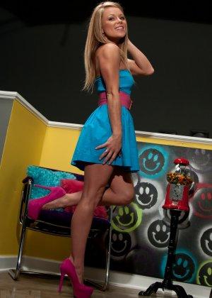 Мит Мэдден – темпераментная блондинка с соблазнительным телом, которая покорит сердце каждого - фото 2