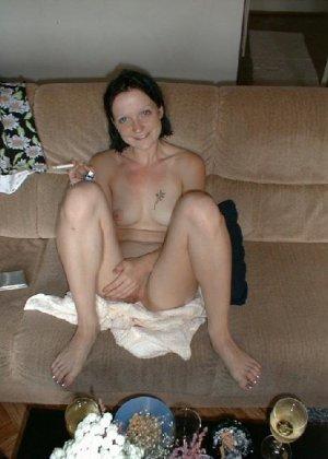 Подборка любительских фото грудастых телочек которые показали свои щелки - фото 27