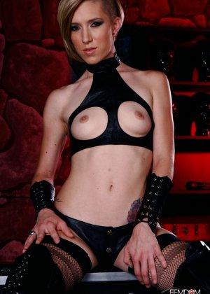 Майя Дэвис обличается в сексуальный наряд и показывает свое красивое тело всем мужчинам - фото 7
