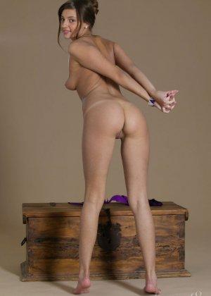 Мелена Тара – пластичная красотка с шикарной фигурой и обалденной кожей - фото 4