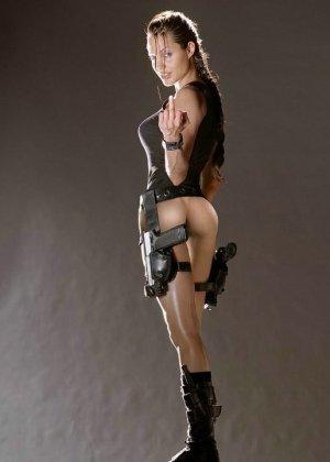 Знаменитая Анжелина Джоли оказывается порно-звездой благодаря опытным любителям фотошопа - фото 14