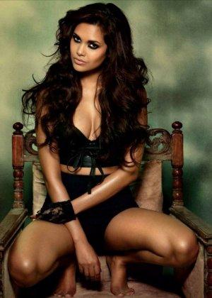 Очень большие дойки крася даже зрелых индийских девушек - фото 12