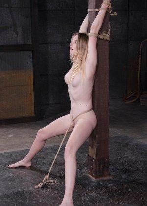 Девушке приходится многое вытерпеть, чтобы доставить партнеру наслаждение даже без проникновения - фото 11