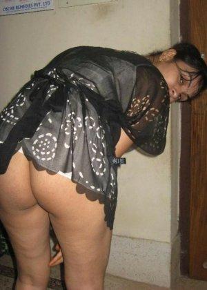 Роскошные индийские девушки показывают на камеру свои большие буфера - фото 14