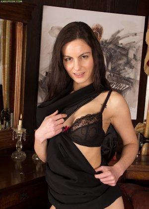 Мишель Кэн – сексуальная брюнетка, которая достаточно откровенно показывает свою фигурку - фото 6