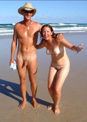 Фотографии с нудистских фото сессий: раскованные девушки и парни не стесняются своих голых тел - фото 8