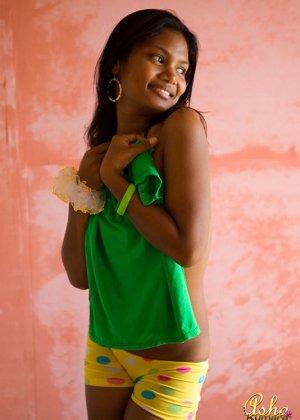 Аша Кумара – индийская девушка, которая готова показать всем свою экзотическую внешность - фото 11