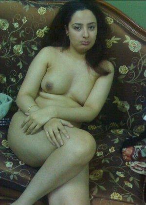 Горячие девушки японской внешности обнажают свои тела ради денег - фото 7