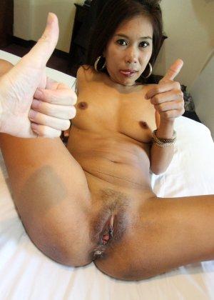 За большие деньги азиатская девушка согласилась на горячий анальный секс - фото 12