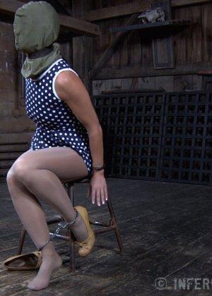 Девушка выдерживает множество испытаний, но так и не дожидается секса – она очень терпелива - фото 2