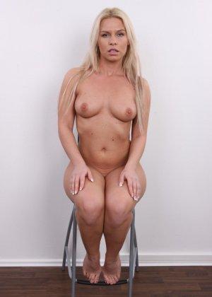 Девушка показывает свое тело - фото 13- фото 13- фото 13