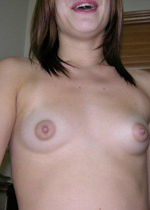 Эбби – озорная сучка, которая не стесняется оказаться обнаженной перед камерой и показать всем свои интимные зоны - фото 13