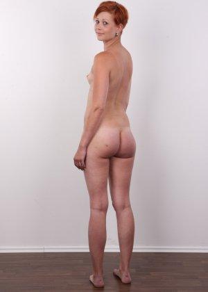 Рыжая, с маленькими сиськами пришла на кастинг для съемок в порно - фото 15
