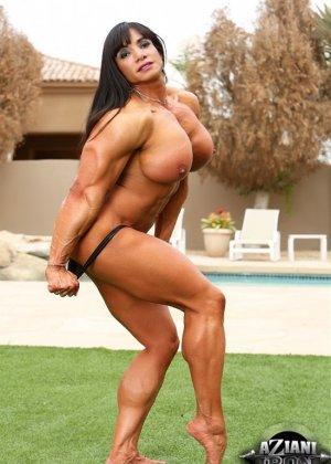 Марина Лопес обладает необыкновенно подтянутым телом, которое она так стремится показать всем - фото 4