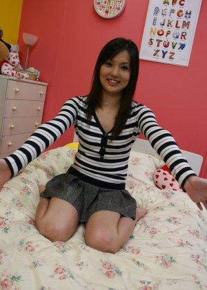 Азиатская медсестра трахается на дому у парня который её вызвал - фото 2