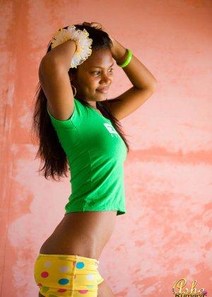 Аша Кумара – индийская девушка, которая готова показать всем свою экзотическую внешность - фото 6