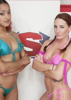 Дэйзи Дукати и Саванна Фокс устраивают сексуальный поединок, в котором победительницей может стать только одна - фото 12