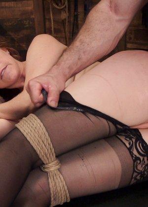 Пенни Пакс практикует такой заманчивый бондаж, и показывает, настолько приятно быть униженной - фото 14- фото 14- фото 14