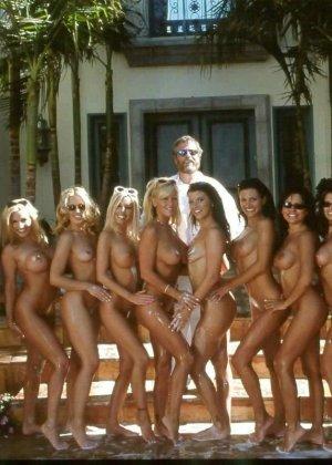 В этой галерее можно насладиться красотой девушек, которые собираются в группы и раздеваются - фото 15