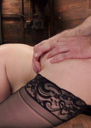 Пенни Пакс практикует такой заманчивый бондаж, и показывает, настолько приятно быть униженной - фото 10- фото 10- фото 10
