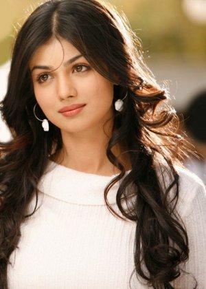 Очень большие дойки крася даже зрелых индийских девушек - фото 2