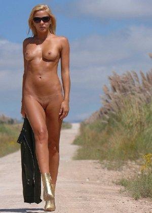 Сексуальная телка Люси с красивыми формами радует мужчин - фото 23