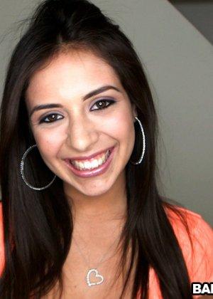 Симпатичная мексиканская девушка любит, когда ее трахают - фото 1- фото 1- фото 1