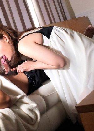 Сексуальная Наоми поздравила парня с добрым утром сладким минетом - фото 13