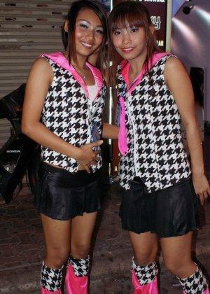 Подборка фото девушек то того как они были в клубе и после  когда их выебали - фото 8