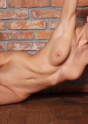 Подборка фото красивых обнаженных девушек которые хвастают своим телом - фото 24