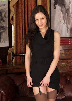 Мишель Кэн – сексуальная брюнетка, которая достаточно откровенно показывает свою фигурку - фото 3