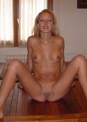 Девушки лесбиянки ласкают свои промежности и получают удовольствие - фото 20- фото 20- фото 20