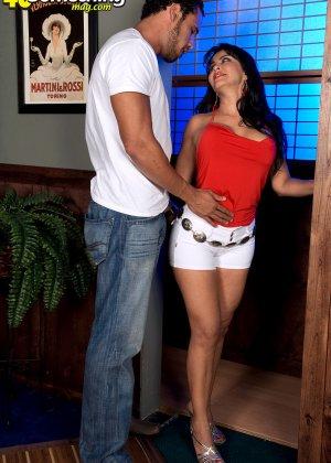Валери Лопез – опытная шлюшка, которая знает, как удовлетворить мужчину и поразить его своим темпераментом - фото 3