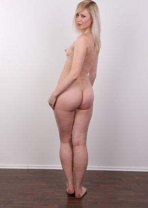 Кастинг с привлекательной блондинистой девушкой - фото 12