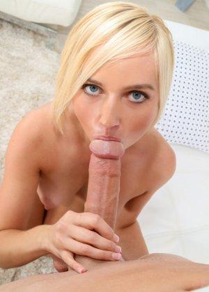 Кейт надела сексуальный красный топик, любовник сорвал его и трахнул милую девушку - фото 7