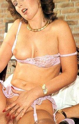 В этой галерее можно увидеть, что мода на анальный секс пошла уже давно – парочка занимается этим увлеченно - фото 6