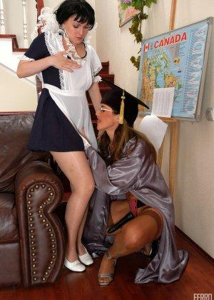 Лесбиянки тоже любят ролевые игры, в этот раз они решили поиграть в развратныхх студенток - фото 4