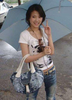 Грудастая азиатка в белом белье хвастается большими дойками - фото 8
