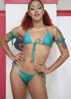 Дэйзи Дукати и Саванна Фокс устраивают сексуальный поединок, в котором победительницей может стать только одна - фото 7